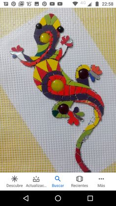 Mosaic Rocks, Mosaic Tile Art, Mosaic Stepping Stones, Mosaic Crafts, Mosaic Projects, Stained Glass Projects, Mosaic Glass, Glass Art, Mosaic Animals