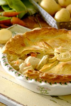 Who can possibly resist the lure of a home-made chicken mayonnaise pie? One slice will definitely not be enough! Pie Recipes, Chicken Recipes, Dinner Recipes, Dessert Recipes, Dessert Ideas, Dinner Ideas, Champion Chicken, Fishing Lures, I Foods