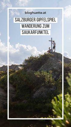 Von Flachau geht es mit dem Lift – vorbei an der Hermann-Maier-Weltcupstrecke –bis auf 1.750 Meter. Der weitere Anstieg auf den Saukarfunktel (2.028 m) gleicht dann fast nur noch einem alpinen Spaziergang vor imposantem Bergpanorama. Die großen Felsblöcke rund um den Gipfel sind herrliche Rastplätze. #salzburgergipfelspiel #bloghuette Desktop Screenshot, Round Round, Games, World