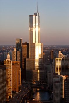 Trump Tower, architect: SOM:'partner in charge Adrian Smith