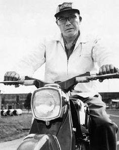 _Japanese engineering hero and rider - Soichiro Honda . Classic Honda Motorcycles, Cool Motorcycles, Flat Track Motorcycle, Motorcycle Clubs, Honda Motors, Honda Bikes, Cb 450, Soichiro Honda, Honda Cub