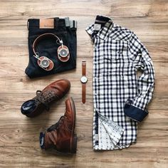 Designer men's have gained more and more popularity over the last few years. are no longer just plain and uninteresting as they had been before. Mens Fashion Online, Mens Fashion Shoes, Men's Fashion, Fashion Outfits, Outfit Jeans, Stylish Men, Men Casual, Mens Attire, Sharp Dressed Man