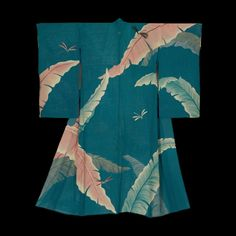 Summer Kimono.  Mid to late Meiji (1880-1911). Japan. The Kimono Gallery. A sheer hitoe (unlined) silk summer kimono featuring artistic depictions of large banana leaves and dragonflies.