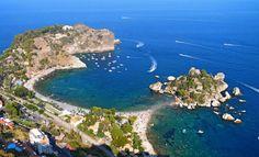 """A un uomo che dovesse passare un solo giorno in Sicilia e chiedesse: """"Cosa bisogna vedere?"""", risponderei senza esitare """"Taormina""""; queste sono le parole entusiaste con cui Guy de Maupassant descrive la meravigliosa cittadina..."""