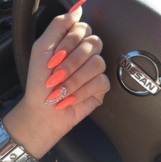 Trendy Ideas For Neon Orange Nails With Design Coral Fabulous Nails, Gorgeous Nails, Love Nails, Fun Nails, Pretty Nails, Bling Nails, Stiletto Nails, Uñas Color Coral, Neon Orange Nails