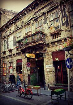 The Ruin Pub - Jewish Quarter in Budapest   by © elinor04
