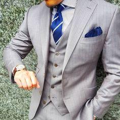 "383 Likes, 8 Comments - @yan_aga_way on Instagram: ""梅雨入りと同時にまた一週間のスタート 今週も頑張ろう Order threepiece suit: #dormeuil Order shirt: #saltore Tie:…"""