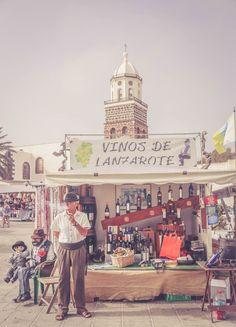 people Lanzarote market travel blogger