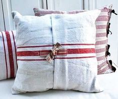 Grain sack throw pillows in white with red stripes Sewing Pillows, Diy Pillows, Linen Pillows, Decorative Pillows, Cushions, Throw Pillows, White Pillows, French Decor, French Country Decorating