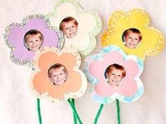 Mothers Day Crafts for your kids to create at church or at home for their Moms. You can find Candy Sundae, Bouquet of Photo Flowers, Mothers Day Coupons. Mothers Day Crafts For Kids, Fathers Day Crafts, Paper Crafts For Kids, Mothers Day Cards, Preschool Crafts, Happy Mothers Day, Classroom Crafts, Mother's Day Bouquet, Photo Bouquet