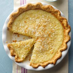 Can't Miss Coconut Custard Pie Recipe -This soft custard pie has a mild coconut flavor. Who wouldn't love a hearty slice topped with a dollop of whipped cream? Pie Recipes, Dessert Recipes, Coconut Recipes, Pastry Recipes, Dinner Recipes, Coconut Custard Pie, Custard Pies, Coconut Cream, Easter Pie