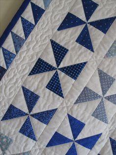 Patchwork quilt boys squares ideas - DIY and Crafts Quilt Baby, Colchas Quilt, Quilt Border, Boy Quilts, Quilt Blocks, Pinwheel Quilt Pattern, Quilt Block Patterns, Pattern Blocks, Patchwork Patterns