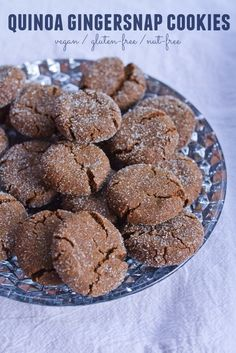 Gluten-free, vegan gingersnap cookies made with quinoa flour! They're crunchy on the outside, chewy on the inside and absolutely delicious! Gluten Free Cookies, Gluten Free Baking, Vegan Baking, Gluten Free Desserts, Vegan Desserts, Cookies Vegan, Vegan Gluten Free, Vegan Recipes, Quinoa Flour Recipes