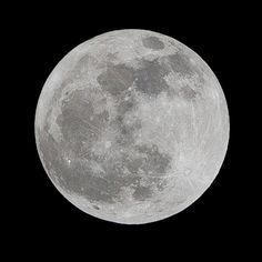 Comment photographier la Lune ? Ce soir prenez la super Lune en photo !