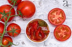 Gogosari in sos de bulion e o conserva buna pentru iarna si se folosesc la friptura de porc, pui, la cartofi copti sau prajiti, omlete si oua prajite. Omlete, Quick Meals, Salads, Vegetables, Canning, Fast Meals, Vegetable Recipes, Salad, Lettuce