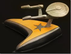 TEXAS - Another fantastic Groom's cake... I like this one even more, because the Enterprise lights up!  (Crazy Cakes - Austin, Texas)