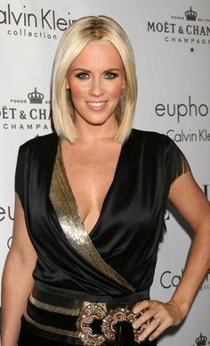 """Jennifer Ann """"Jenny"""" McCarthy November 1972 is an American model, comedian, actress, author and activist. Blonde Celebrities, Beautiful Celebrities, Jenny Mccarthy Hair, Mc Carthy, Hello Ladies, Jennifer Love Hewitt, All Things Beauty, Girl Crushes, Her Hair"""
