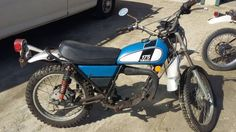 Collectors and Restorers of the famous two-stroke dual sport motorcycles from Yamaha from 1968 through the Enduro Motorcycle, Dual Sport, Old Bikes, Barn Finds, Yamaha, Classic, Vintage, Legends, Motorbikes