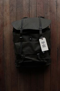 <> Vintage Military Swiss-style Rucksack.