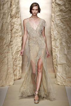 Donna Karan Season : Spring/Summer 2011 Ready-to-Wear