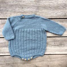 Knitting for Olive er et dansk firma der laver de skønneste opskrifter på lækkert børnetøj. Opskrifterne er at finde i størrelserne 3 mdr - 8 år. Du kan til alle opskrifterne købe Knitting for Olives eget garn, som er lækker merino eller genbrugsbomuld. Knitting For Kids, Easy Knitting, Baby Knitting Patterns, Kids Patterns, Yarn Projects, Baby Time, Baby Outfits, Kids And Parenting, Knitwear