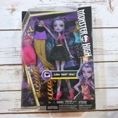 Set of 2 authentic Monster High basic dolls, Frankie Stein and Draculaura. New Monster High Dolls, Modern Toys, Fun, Ebay, Lol, Funny