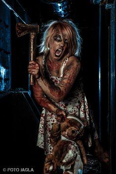 Lost Place Horror Shooting mit Christina de la Trouble