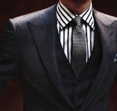 Teaming a charcoal vertical striped three piece suit with a white and black vertical striped dress shirt is an amazing option for a dapper and classy outfit. Foto Fashion, Fashion Mode, Mens Fashion, Fashion Suits, Fashion Menswear, Lifestyle Fashion, Classy Fashion, Mode Masculine, Sharp Dressed Man