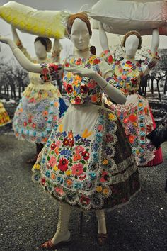 Kalocsa is the paprika capital of Hungary, or at least one of the two centers of paprika production in a red-powder-crazy culture. Hungarian Embroidery, White Embroidery, Folk Costume, Costumes, Art And Craft Design, Folk Dance, Folk Fashion, Lace Making, My Heritage