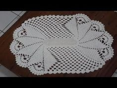 This hand crochet doily is a tulip pattern that measures Pin was discovered by Les Crochet Home, Hand Crochet, Doily Patterns, Crochet Patterns, Crochet Designs, Crochet Doilies, Tatting, Diy Crafts, Make It Yourself