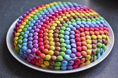 Smarties - cake (recipe with picture) by Cake Recipes With Pictures, Food Pictures, Birthday Desserts, Fall Desserts, Birthday Cake, Easy Smoothie Recipes, Snack Recipes, Smarties Cake, Purple Drinks