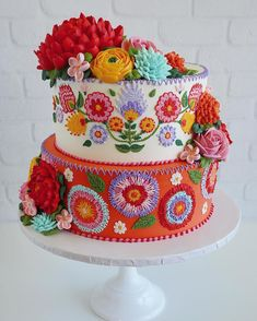 Meet the Maker of IG's Favorite Mexican Embroidery Cakes Viva la Cake! Meet the Maker of IG's Gorgeous Cakes, Pretty Cakes, Cute Cakes, Amazing Cakes, Yummy Cakes, Cake Cookies, Cupcake Cakes, Fruit Cakes, Mexican Embroidery