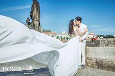 Fotka v albu Wedding photoshooting - Misura Travel & Bossy Photo Studio… Wedding Photoshoot, Photo Studio, Charles Bridge, Prague, Wedding Dresses, Travel, Fashion, Bride Gowns, Voyage