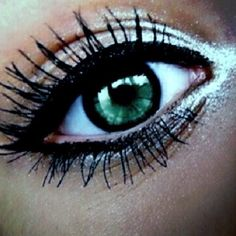 Prom makeup? Combined with smoky eye