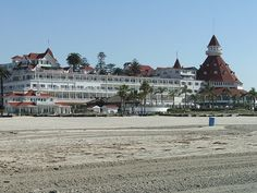 I finally got to visit The Hotel Del Coronado and I am in love with this hotel! just a gorgeous place and would love to go back and stay a night! Creepy Houses, Haunted Houses, Scary Stories, Ghost Stories, Beach Resorts, Hotels And Resorts, Haunted Places In California, Real Hauntings, San Diego Resorts