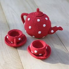 knitting + polka dots + tea = perfection