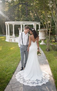 20 Best Unique Wedding Dress Trains Images In 2020 Wedding Dresses Wedding Dresses Lace Bridal Gowns,Gloria Vanderbilt Wedding Dresses
