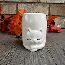 Mary Maxim Sleeping White Kitty Cat Pencil Holder or Vase - AS-IS Antique Items, Vintage Items, Ceramic Animals, Pencil Holder, Vintage Pottery, Small Groups, Old Things, Things To Sell, The Selection