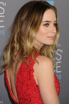Emily Blunt With Tousled Ombre Locks At The Critics' Choice Awards 2015