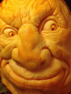 How to Carve a Realistic Face on a Pumpkin: 11 Steps (with Pictures) Pumpkin Face Carving, Pumpking Carving, Creepy Pumpkin, Pumpkin Carving Party, Amazing Pumpkin Carving, Pumpkin Art, Pumpkin Faces, Pumpkin Crafts, Pumpkin Ideas