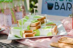 empfang-hochzeit-fingerfood-haeppchen-modern-smoothie-7 Smoothie, Breakfast, Wedding Finger Foods, Delicious Snacks, Garden Parties, Food Food, Morning Coffee, Smoothies