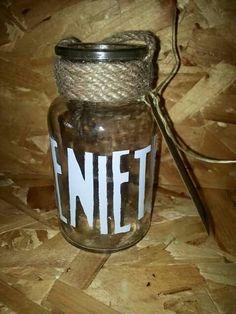Geniet. Facebook: Being creative