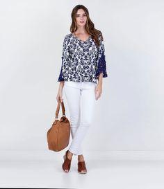 Blusa Floral com Renda Guipir