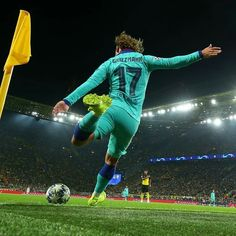 Antoine Griezmann, Barcelona Football, Fc Barcelona, Ronaldo Football, Good Soccer Players, Football Wallpaper, Camp Nou, Uefa Champions League, Fifa