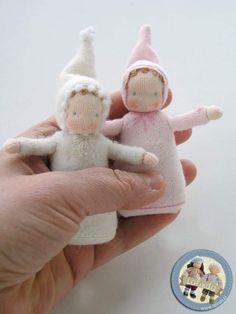 Lalinda Wool Dolls, Felt Dolls, Fabric Dolls, Paper Dolls, Waldorf Crafts, Waldorf Toys, Tiny Dolls, Doll Crafts, Diy Toys