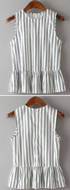 Vertical Striped Sleeveless Peplum Top JUST GORGEOUS! (Love this top - so cool, perfect for day or night, great style! Vertical Stripes, Vertical Striped Dress, Mode Style, Dress Me Up, Diy Clothes, Spring Summer Fashion, Passion For Fashion, Dress To Impress, Cute Outfits