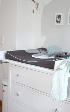 wickelaufsatz f r ikea hemnes kommode werkstatt geppetto wickelaufsatz pinterest. Black Bedroom Furniture Sets. Home Design Ideas