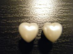 2 Gauge Heart Pearl Plugs by XOheatherXO on Etsy, $15.00