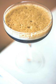 Caffè della Peppina, cocktail con caffè grappa e liquore al cioccolato e menta
