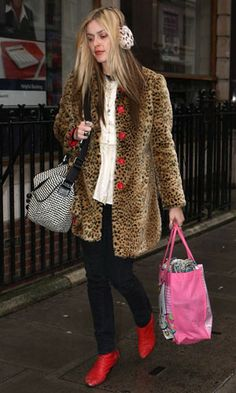 For a kitsch and cosy take on faux fur, Fearne Cotton teamed a short-haired leopard number with earmuffs in a clashing shade of leopard and bright red cropped boots. www.pertlybeast.com